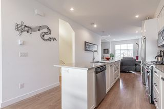 """Photo 5: 24 27735 ROUNDHOUSE Drive in Abbotsford: Aberdeen Townhouse for sale in """"ROUNDHOUSE"""" : MLS®# R2516679"""