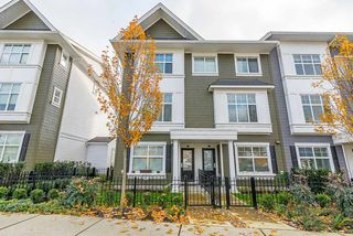 """Photo 1: 24 27735 ROUNDHOUSE Drive in Abbotsford: Aberdeen Townhouse for sale in """"ROUNDHOUSE"""" : MLS®# R2516679"""