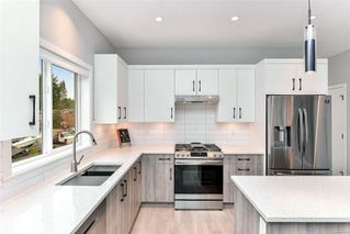 Photo 5: 101 684 Hoylake Ave in : La Thetis Heights Row/Townhouse for sale (Langford)  : MLS®# 862049