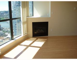 "Photo 3: 2301 501 PACIFIC Street in Vancouver: Downtown VW Condo for sale in ""THE 501"" (Vancouver West)  : MLS®# V721994"