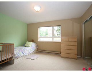 """Photo 9: 107 20189 54TH Avenue in Langley: Langley City Condo for sale in """"Catalina Gardens"""" : MLS®# F2824512"""