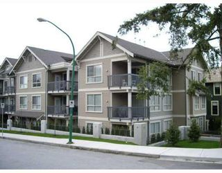 "Photo 3: 104 3895 SANDELL Street in Burnaby: Central Park BS Condo for sale in ""CLARKE HOUSE"" (Burnaby South)  : MLS®# V737100"