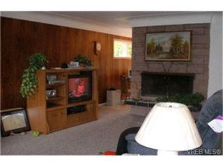 Photo 2: 1205 Parkdale Drive in VICTORIA: La Glen Lake Single Family Detached for sale (Langford)  : MLS®# 221339