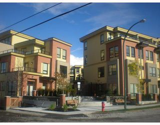 """Photo 1: 111 1859 STAINSBURY Avenue in Vancouver: Victoria VE Townhouse for sale in """"WORKS"""" (Vancouver East)  : MLS®# V744369"""