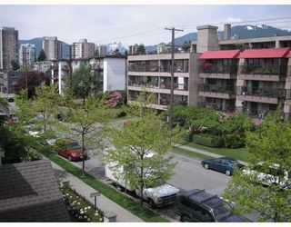 "Photo 1: 415 333 E 1ST Street in North_Vancouver: Lower Lonsdale Condo for sale in ""VISTA WEST"" (North Vancouver)  : MLS®# V766349"