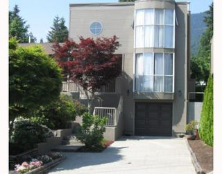 Photo 1: 908 MONTROYAL Boulevard in North_Vancouver: Canyon Heights NV House for sale (North Vancouver)  : MLS®# V772078