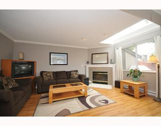 "Photo 3: 13 12438 BRUNSWICK Place in Richmond: Steveston South Townhouse for sale in ""BRUNSWICK GARDEN"" : MLS®# V778607"