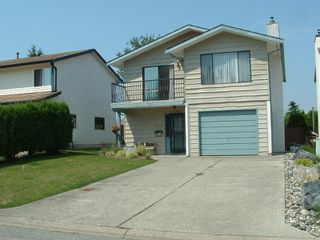 Photo 2: 33295 NEWLANDS Avenue in Abbotsford: Central Abbotsford House for sale : MLS®# F2917487