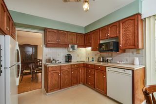 Photo 8: 2669 MOUNTVIEW Place in Burnaby: Oakdale House for sale (Burnaby North)  : MLS®# R2410129