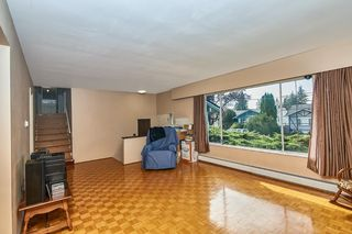 Photo 11: 2669 MOUNTVIEW Place in Burnaby: Oakdale House for sale (Burnaby North)  : MLS®# R2410129