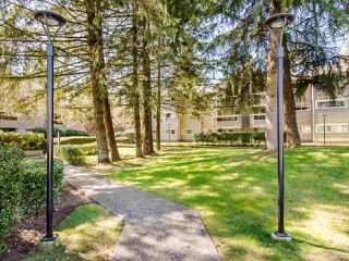 """Photo 18: 307 932 ROBINSON Street in Coquitlam: Coquitlam West Condo for sale in """"The Shaughnessy"""" : MLS®# R2449657"""