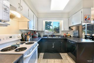 Photo 8: 15040 SPENSER Drive in Surrey: Bear Creek Green Timbers House for sale : MLS®# R2496660