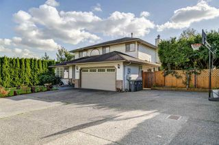 Main Photo: 19188 60B Avenue in Surrey: Cloverdale BC House for sale (Cloverdale)  : MLS®# R2511248
