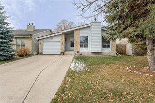 Photo 2: 146 Southwalk Bay in Winnipeg: River Park South Residential for sale (2F)  : MLS®# 202026857