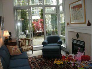 "Photo 3: 302 198 AQUARIUS MEWS in Vancouver: False Creek North Townhouse for sale in ""Aquarius II"" (Vancouver West)  : MLS®# V823966"