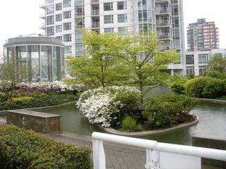 "Photo 7: 302 198 AQUARIUS MEWS in Vancouver: False Creek North Townhouse for sale in ""Aquarius II"" (Vancouver West)  : MLS®# V823966"