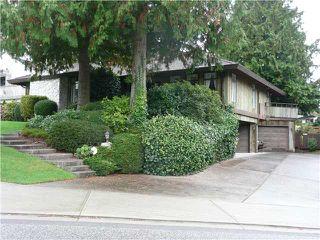 "Main Photo: 565 TRALEE Crescent in Tsawwassen: Pebble Hill House for sale in ""TSAWWASSEN HEIGHTS"" : MLS®# V853378"