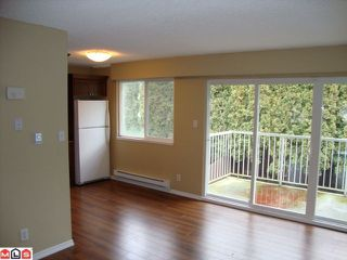 "Photo 3: 5 33900 MAYFAIR Avenue in Abbotsford: Central Abbotsford Townhouse for sale in ""MAYFAIR GARDENS"" : MLS®# F1102333"