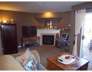"""Photo 2: 6 11934 LAITY Street in Maple_Ridge: West Central Townhouse for sale in """"LAITY SQUARE"""" (Maple Ridge)  : MLS®# V753308"""