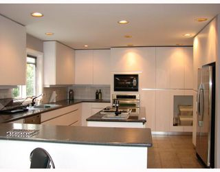 Photo 3: 4072 W 11TH Avenue in Vancouver: Point Grey House for sale (Vancouver West)  : MLS®# V766135