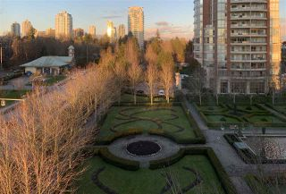 Photo 2: 707 7368 SANDBORNE Avenue in Burnaby: South Slope Condo for sale (Burnaby South)  : MLS®# R2433825