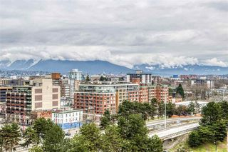 "Photo 14: 1402 125 MILROSS Avenue in Vancouver: Downtown VE Condo for sale in ""CREEKSIDE"" (Vancouver East)  : MLS®# R2436108"