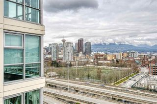 "Photo 13: 1402 125 MILROSS Avenue in Vancouver: Downtown VE Condo for sale in ""CREEKSIDE"" (Vancouver East)  : MLS®# R2436108"