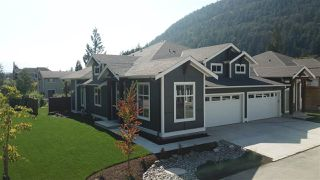 "Main Photo: 22 628 MCCOMBS Drive: Harrison Hot Springs House 1/2 Duplex for sale in ""EMERSON COVE"" : MLS®# R2507203"
