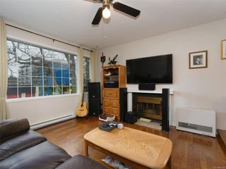 Photo 2: 1227 Carlisle Ave in : Es Saxe Point Half Duplex for sale (Esquimalt)  : MLS®# 862144