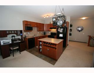 Photo 5: 502 8000 WENTWORTH Drive SW in CALGARY: West Springs Stacked Townhouse for sale (Calgary)  : MLS®# C3408202