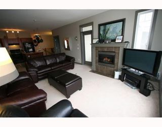 Photo 8: 502 8000 WENTWORTH Drive SW in CALGARY: West Springs Stacked Townhouse for sale (Calgary)  : MLS®# C3408202