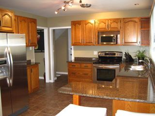 Photo 2:  in WINNIPEG: River Heights / Tuxedo / Linden Woods Residential for sale (South Winnipeg)  : MLS®# 1003496