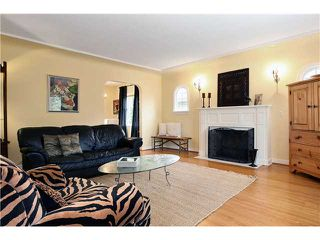 Photo 2: 1528 LONDON Street in New Westminster: West End NW House for sale : MLS®# V837064