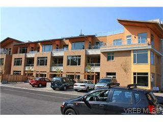 Photo 14: 304 240 Cook St in VICTORIA: Vi Fairfield West Condo Apartment for sale (Victoria)  : MLS®# 553808