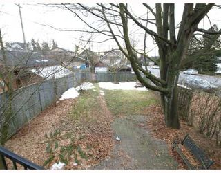 Photo 2: 201 E 19TH Street in North_Vancouver: Central Lonsdale House for sale (North Vancouver)  : MLS®# V750427