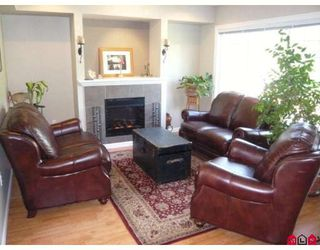 "Photo 5: 4 6110 138TH Street in Surrey: Sullivan Station Townhouse for sale in ""SENECA WOODS"" : MLS®# F2910789"