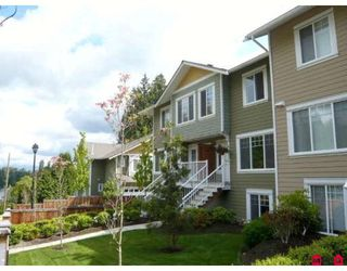 "Photo 1: 4 6110 138TH Street in Surrey: Sullivan Station Townhouse for sale in ""SENECA WOODS"" : MLS®# F2910789"