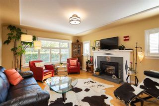 Photo 3: 2385 W 16TH Avenue in Vancouver: Kitsilano House for sale (Vancouver West)  : MLS®# R2458090