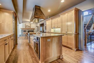 Photo 4: 903 KERFOOT Crescent SW in Calgary: Kelvin Grove Detached for sale : MLS®# A1030168