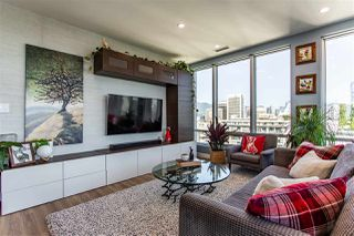 """Photo 2: 1811 989 NELSON Street in Vancouver: Downtown VW Condo for sale in """"ELECTRA"""" (Vancouver West)  : MLS®# R2513280"""
