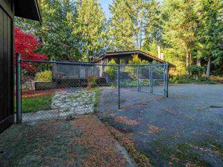 "Photo 4: 8027 WILDWOOD Road in Halfmoon Bay: Halfmn Bay Secret Cv Redroofs House for sale in ""WELCOME WOODS"" (Sunshine Coast)  : MLS®# R2516245"