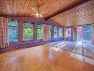 "Photo 5: 8027 WILDWOOD Road in Halfmoon Bay: Halfmn Bay Secret Cv Redroofs House for sale in ""WELCOME WOODS"" (Sunshine Coast)  : MLS®# R2516245"