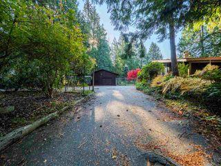 "Photo 3: 8027 WILDWOOD Road in Halfmoon Bay: Halfmn Bay Secret Cv Redroofs House for sale in ""WELCOME WOODS"" (Sunshine Coast)  : MLS®# R2516245"