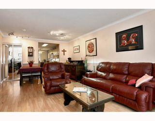 "Photo 5: 2 20985 CAMWOOD Avenue in Maple Ridge: Southwest Maple Ridge Townhouse for sale in ""MAPLE COURT"" : MLS®# V809174"