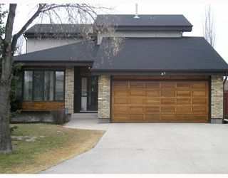 Photo 1: 57 BOISSELLE Bay in WINNIPEG: Windsor Park / Southdale / Island Lakes Single Family Detached for sale (South East Winnipeg)  : MLS®# 2906013