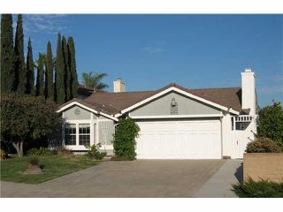 Photo 2: UNIVERSITY CITY House for sale : 3 bedrooms : 10515 Feller Cove in San Diego