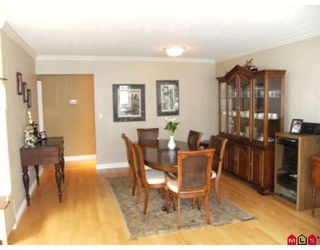 Photo 3: 6452 129A Street in Surrey: West Newton House for sale : MLS®# F2915690
