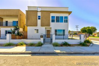 Photo 2: IMPERIAL BEACH House for sale : 4 bedrooms : 1251 Cypress Ave