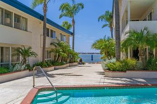 Photo 4: PACIFIC BEACH Condo for sale : 2 bedrooms : 3920 Riviera Dr #S in San Diego