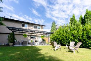 Photo 3: 3824 BROOM Place in Port Coquitlam: Oxford Heights House for sale : MLS®# R2481035